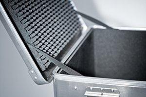 schaumauskleidung f r transportkisten aus aluminium. Black Bedroom Furniture Sets. Home Design Ideas